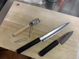 魚料理 魚 捌く さばく 包丁 出刃 刺身 ウロコ落とし うろこ落とし 鱗落とし 毛抜き 骨抜き